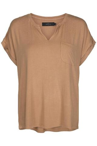 Beige T-shirt fra Peppercorn