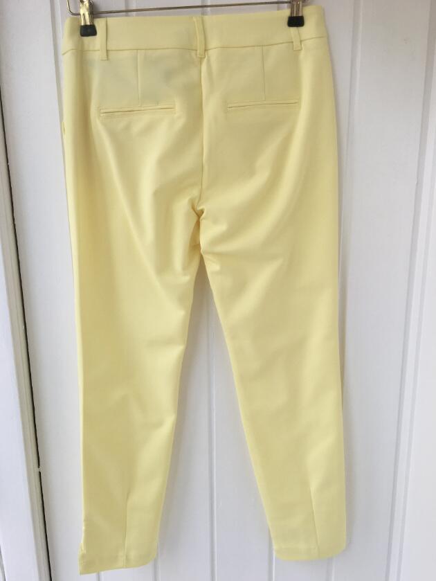 c5b5bd78 Køb Gule 7/8 bukser ( model Clara)fra Pulz sommerbukser Vivi-ji.dk